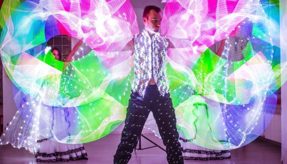луксозно шоу със светлини