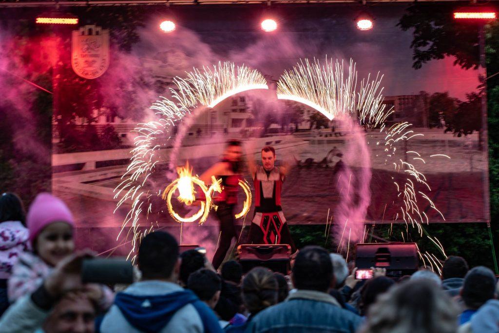 огнено шоу градски празник