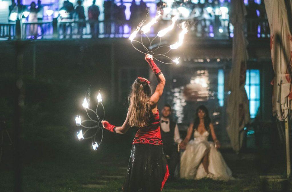 Сватбата на АДИ и ЗВЕЗДО в Голф Клуб Света София, заснета от Jenys Photography.